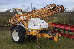KNIGHT EU 24m 3000 litre trailed sprayer