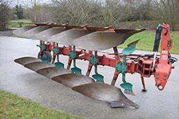 KVERNELAND LB85-300 5 furrow plough